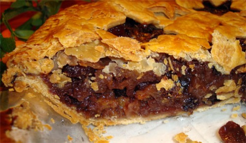 ... Not-Mincemeat Pie (Spicy Apple & Dried Fruit Pie) | the Gourmanderie
